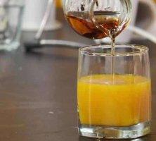 Коньяк с соком: особенности употребления