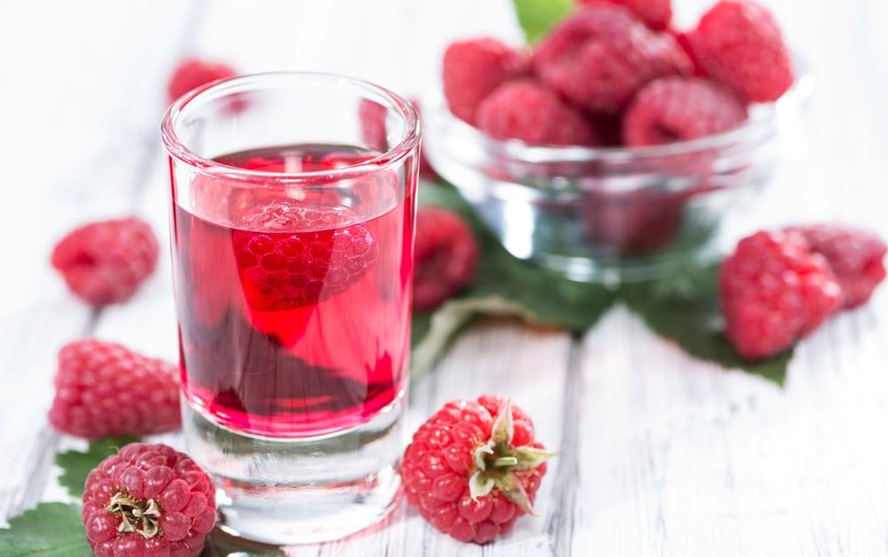 Как приготовить малиновую настойку на водке