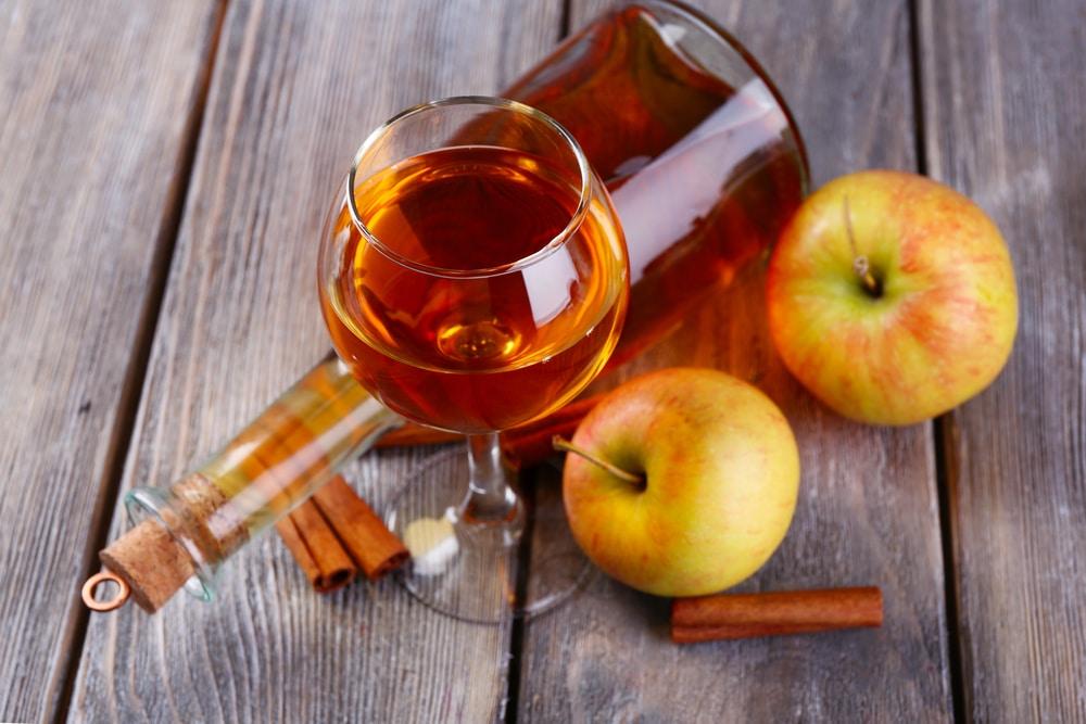 Настойка из яблок на бурбоне