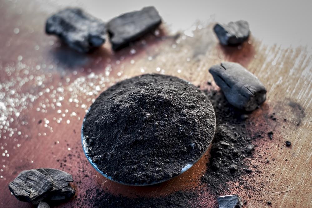 Очистка самогона березовым активированным углем