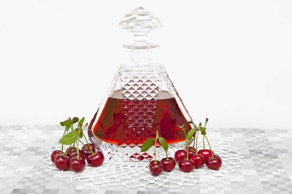 Особенности приготовления вишневой настойки на спирту