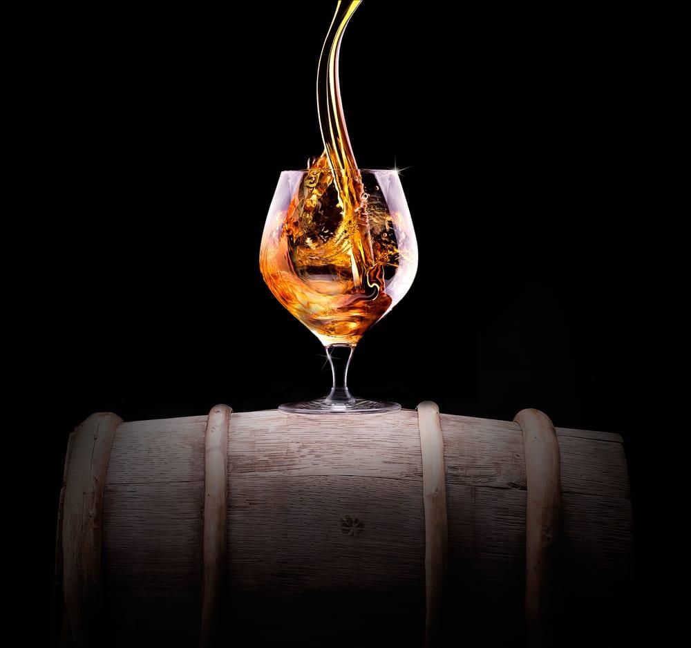 Дистилляция и выдержка кукурузного виски в домашних условиях